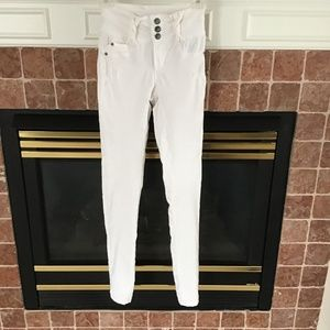 RUE 21 JEGGINGS WHITE SIZE 1/2